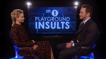 Chris Pratt and Jennifer Lawrence on BBC Radio's Playground Insults. (Photo: YouTube screenshot)