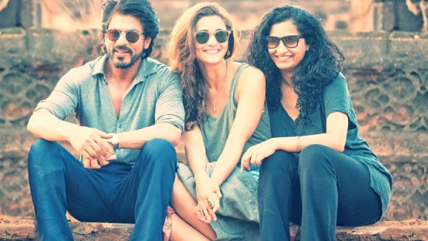 Shah Rukh Khan, Alia Bhatt and Gauri Shinde on the sets of Dear Zindagi. (Photo courtesy: Twitter/@FlimGyan)