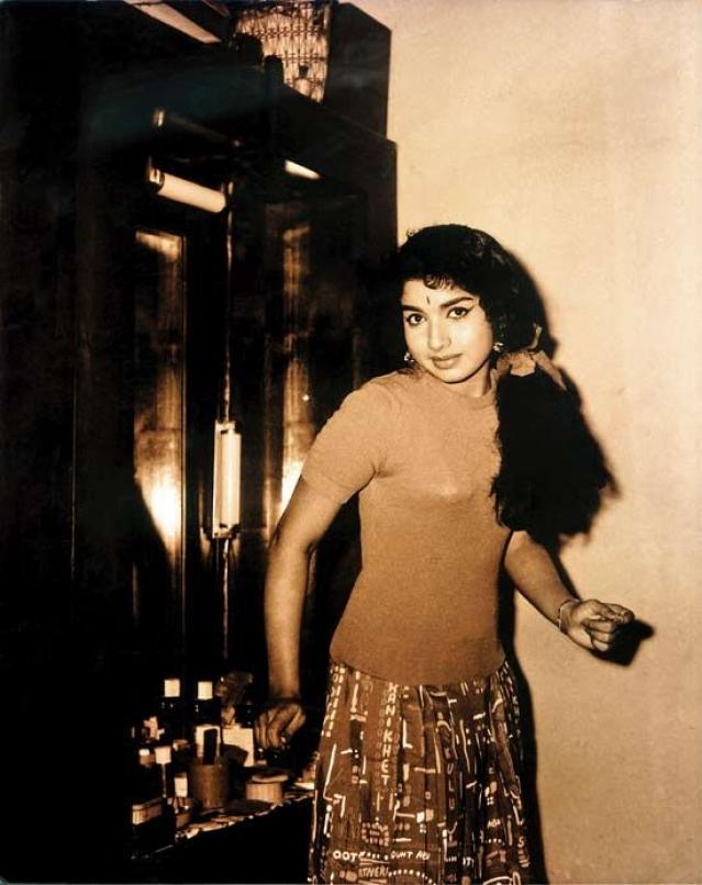 A rare photograph of a young Jayalalithaa. (Photo courtesy: Pinterest)