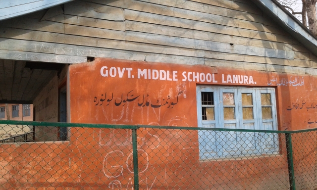 Kashmir's First Cashless Village Has Bad Internet, No PoS