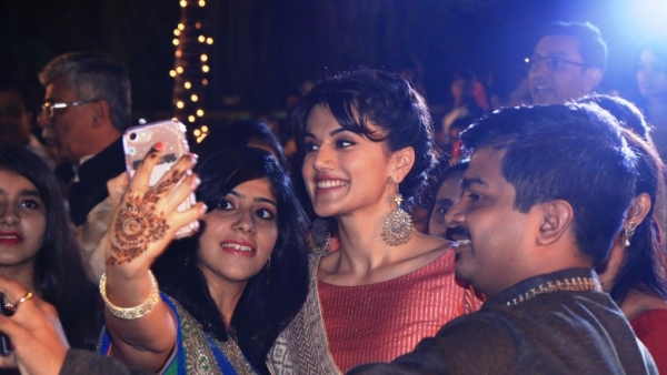 Taapsee Pannu with the wedding guests! (Photo Courtesy: Hardly Anonymous Communications)