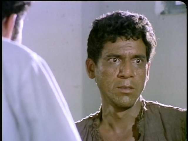 Om Puri in a still from <i>Aakrosh</i>.