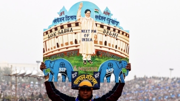 Mayawati has a lot riding on the upcoming UP Elections. (Photo: Reuters, Altered by: <b>The Quint</b>)