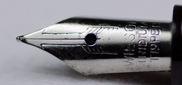 "Nib design. (Photo courtesy: <a href=""https://munsonpens.wordpress.com/2009/02/09/imitation-is-the-sincerest-form-of-flattery-wilson-pen-company/"">Munson Pens' Blog</a>)"