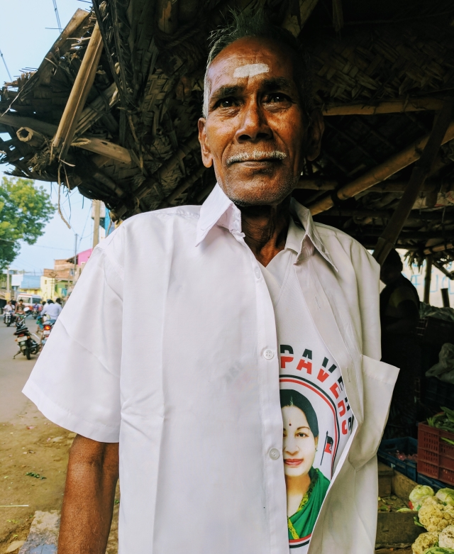 Kariyappa, at the Alanganallur market, about a hundred feet away from the protest. (Photo: Vikram Venkateswaran)