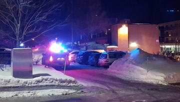 Police arrive at the scene of a fatal shooting at the Quebec Islamic Cultural Centre in Quebec City, Canada. (Photo: Reuters/Mathieu Belanger)