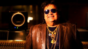 "Bappi Lahiri reacts. (Photo Courtesy: Twitter/<a href=""https://twitter.com/search?f=images&vertical=default&q=bappi%20da&src=typd&lang=en"">@BehindCinemas</a>)"