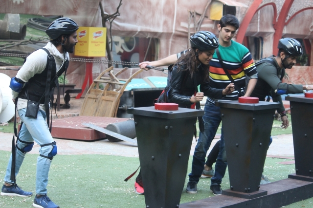 Lopa gives it her best in the task. (Photo Courtesy: ColorsTV)