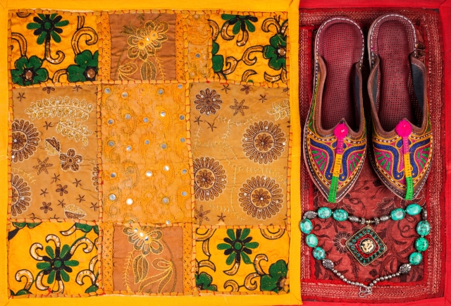 It's hard to not indulge in a shopping extravaganza with all the ethnic stuff Jaipur has to offer (Photo: iStock)