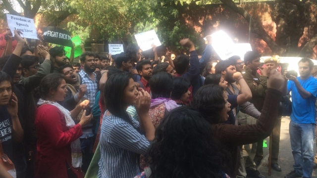 Students protest outside Ramjas College on February 22 2017. (Photo: Revathi Krishnan)