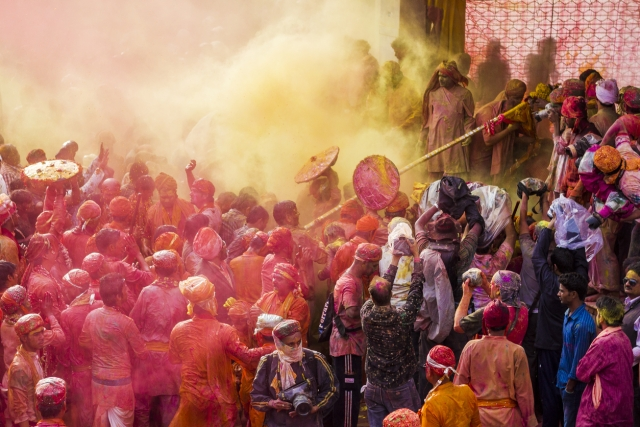 A glimpse of the Lath maar holi in Barsana. (Photo: iStock)
