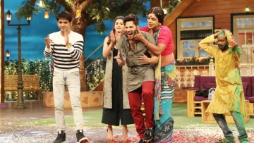 Kapil Sharma with Sunil Grover, Alia Bhatt and Varun Dhawan on <i>The Kapil Sharma Show. </i>(Photo: Yogen Shah)