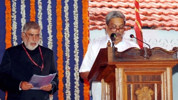 BJP leader Manohar Parrikar takes oath as Goa's new Chief Minister. (Photo: PTI)