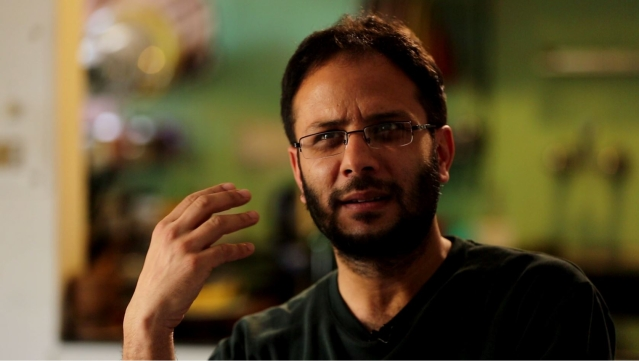 Shoukat Nanda in conversation with <b>The Quint</b>. (Photo: <b>The Quint</b>)
