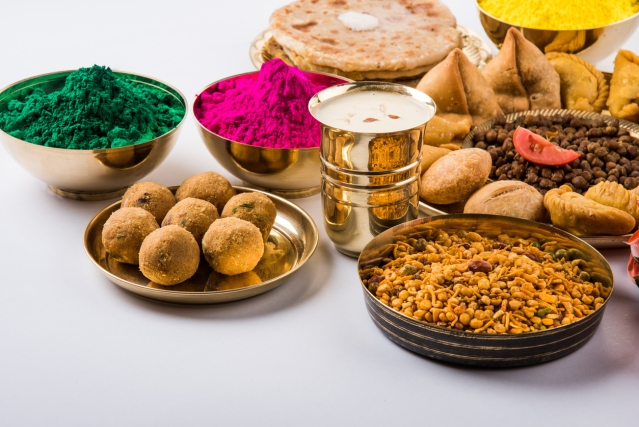Most Indian festivals are incomplete without sweets and snacks (Photo: iStock)