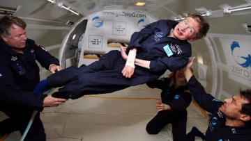 Stephen Hawking taking a zero gravity test in 2007.