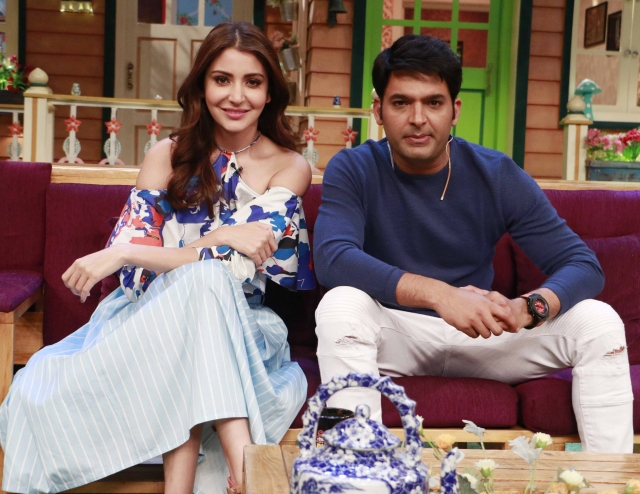 Anushka Sharma with Kapil Sharma on <i>The Kapil Sharma Show</i>. (Photo: Yogen Shah)