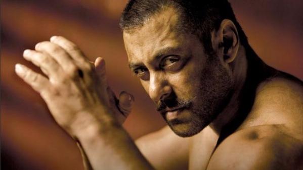 QuickE: Salman 'Being Smart'; Kareena Warned Against Saif & More