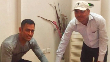 """MS Dhoni updating his Aadhaar information. (Photo Courtesy: Twitter/ <a href=""""https://twitter.com/CSCegov_"""">CSCeGov</a><a href=""""https://twitter.com/help/verified"""">Verified account</a>)"""