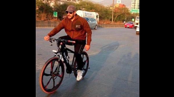 QuickE: Bhai's Being Human to be Blacklisted; Big B Praises Soha