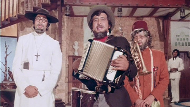 A still from Amar Akbar Anthony. (Photo courtesy: Twitter)
