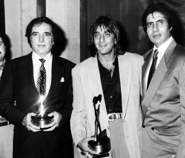 "Feroz Khan with Sanjay Dutt and Amitabh Bachchan. (Photo courtesy: <a href=""https://www.facebook.com/Bollywoodirect/"">Facebook/ bollywooddirect</a>)"
