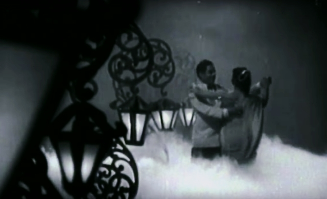 The setting, the lighting and the framing: Guru Dutt's perfection is in the details. (Photo: Screenshot from film)
