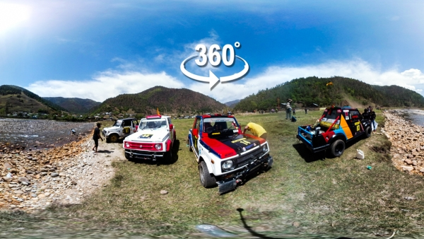 How does it feel to be racing down a rocky track  in a car rally against a breathtaking backdrop? (Photo: Aaqib Raza Khan/<b>The Quint</b>)