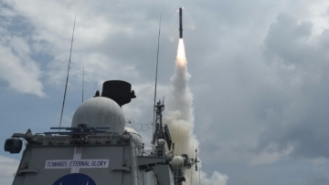 Land-attack version of BrahMos supersonic cruise missile being test fired for the first time from Teg, an Indian Naval ship, off the eastern coast, at a land target. (Photo: IANS/Indian Navy)