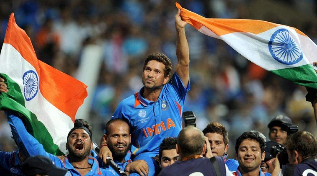 Sachin achieves a 28-year-old dream at the 2011 World Cup final. (Photo: AP)