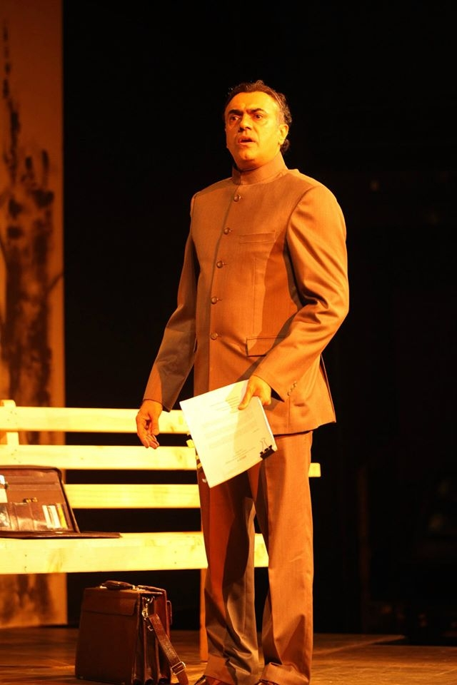 "Rajit Kapur turns in a superlative performance. <a href=""https://www.facebook.com/pg/MotleyTheater/photos/?ref=page_internal"">(Photo courtesy: Facebook/ Motley)</a>"