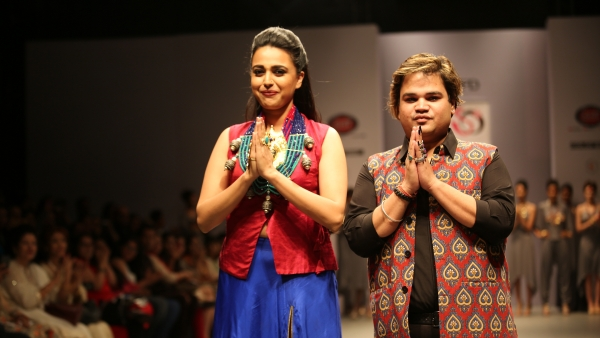 Bollywood Actress Swara Bhaskar walked the ramp for Jewellery Designer Akassh K Aggarwal. (Photo: India Runway Week)