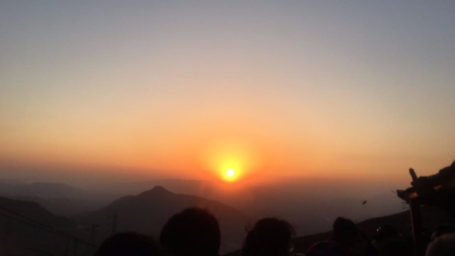 "Sunset in Khandala. (Photo Courtesy: Twitter/<a href=""https://twitter.com/santosh_360"">@santosh_360</a>)"
