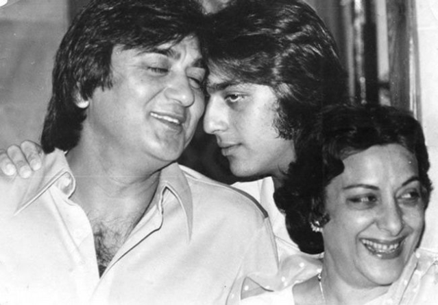 Sunil Dutt with son Sanjay and wife Nargis. (Photo courtesy: Twitter)