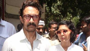 Aamir Khan and Kiran Rao at Reema Lagoo's residence. (Photo: Yogen Shah)
