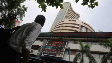 Sensex hit a fresh all-time high of 30,847.48 in early trade on Friday. (Photo: AP)