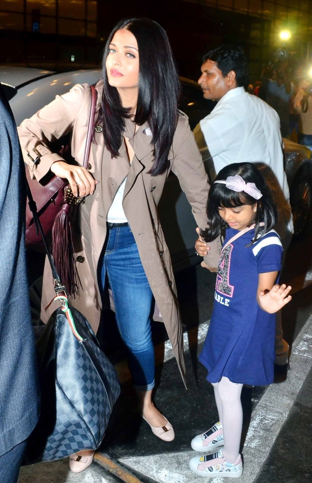 Aishwarya Rai Bachchan in tow with her daughter spotted heading to Cannes. (Photo: Yogen Shah)