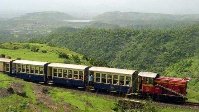 "How about spending the weekend in Matheran? (Photo Courtesy: Twitter/<a href=""https://twitter.com/mannkakhiladi"">@mannkakhiladi</a>)"