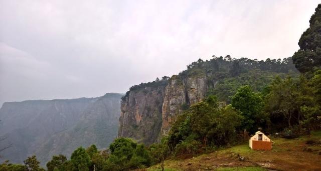 """The beautiful hills of Kodaikanal. (Photo Courtesy: Twitter/  <a href=""""https://twitter.com/gbkansara""""> @gbkansara</a>)"""