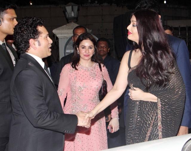 Aishwarya Rai Bachchan greets Sachin Tendulkar. (Photo: Yogen Shah)