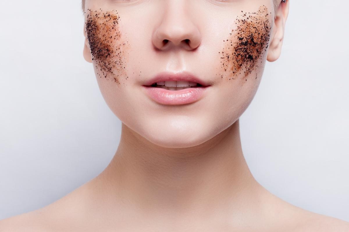 हर बार एक बार आपकी त्वचा को थोड़ा रगड़ने के लिए अच्छा है।