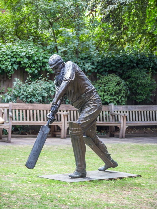 You don't have to be a cricket buff to enjoy a day at Lord's – it's more about soaking up the very English atmosphere. (Photo Courtesy: Shutterstock)