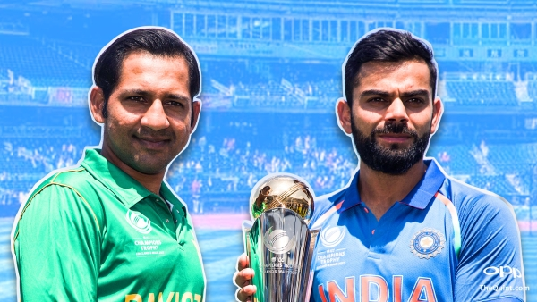 Sarfraz Ahmed (L) and Virat Kohli (R) pose with the Champions Trophy ahead of the final. (Photo: AP/Altered by <b>The Quint</b>)