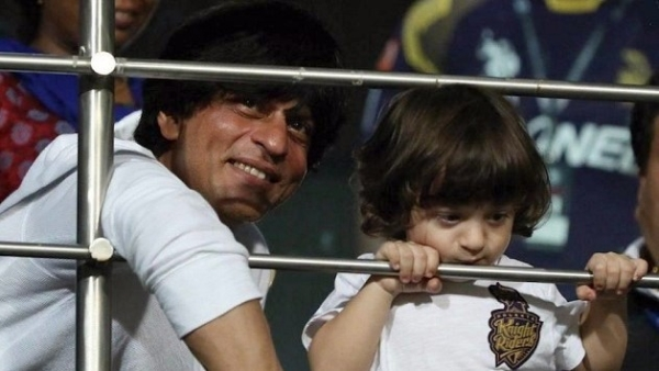 SRK with AbRam at an IPL game. (Photo courtesy: Twitter)