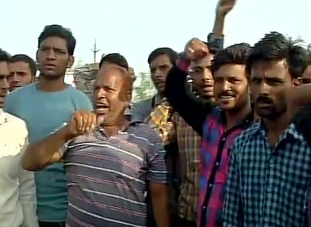 Farmers hold a protest in Mandsaur on Tuesday. (Photo: ANI)