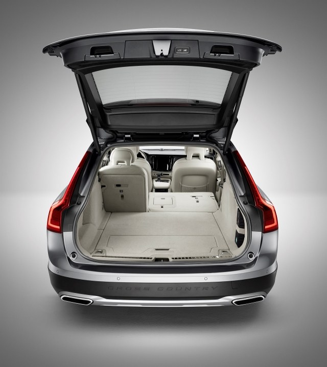 The V90 Cross Country has over 560 litres of boot space.