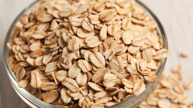 Oats are ideal breakfast option for keeping hunger pangs in control.
