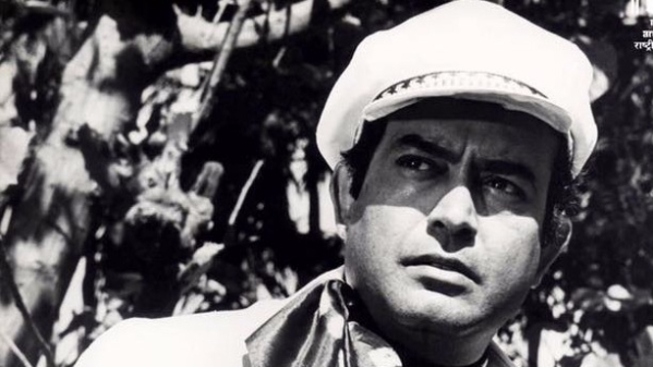 Sanjeev Kumar's acting career could have been even better had he not missed these iconic roles.