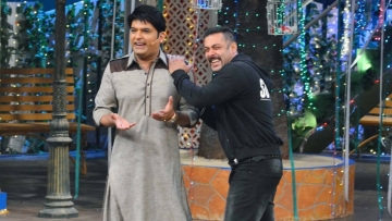 Salman Khan and Kapil Sharma on the latter's show during the promotion of <i>Sultan</i>.