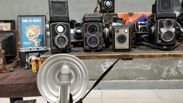 Rolleiflex is another brand that photo enthusiasts would fondly remember.